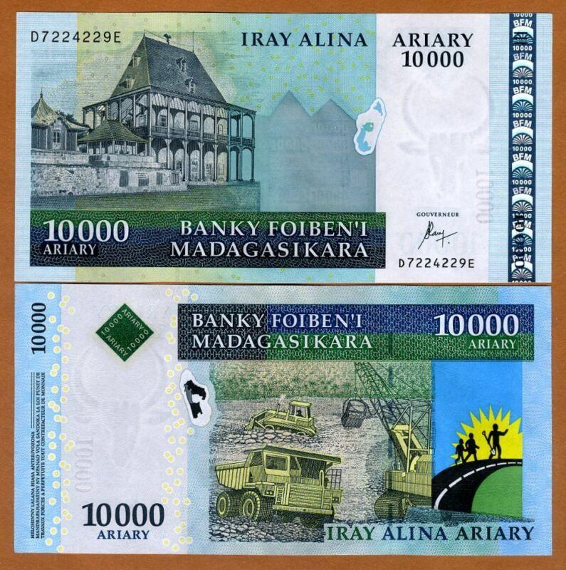MADAGASCAR, 10000 (10,000) ND (2015), P-92c, New Sig., Highest Denom., UNC
