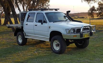 LOOK!! 4 SALE TOYOTA HILUX 2.8L DIESEL 4X4  :) Goulburn 2580 Goulburn City Preview