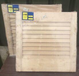 """2x Louvred Wooden Cupboard Doors 18"""" x 18"""""""
