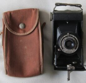 Vintage KODAK Folding 'Brownie' SIX-20 in Original Case