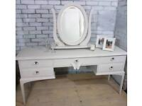 Beautiful vintage Stag Minstrel 5 drawer dressing table, sideboard console with mirror