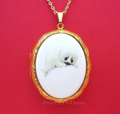 Porcelain WHITE BABY HARP SEAL PUP CAMEO Costume Jewelry Locket Pendant Necklace