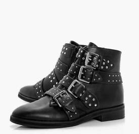 Boohoo Women's Black Studded Boots Size 6