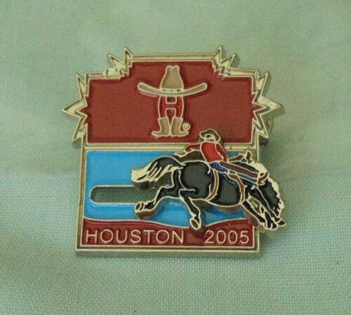 Texas Houston Livestock Show and Rodeo Moveable Part Man On Horse Lapel Pin 2005