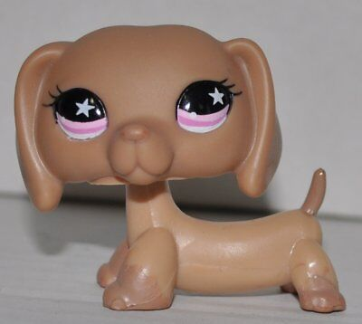 Littlest Pet Shop dog rare DACHSHUND LPS puppy #932 Brown Puppy with red Eyes