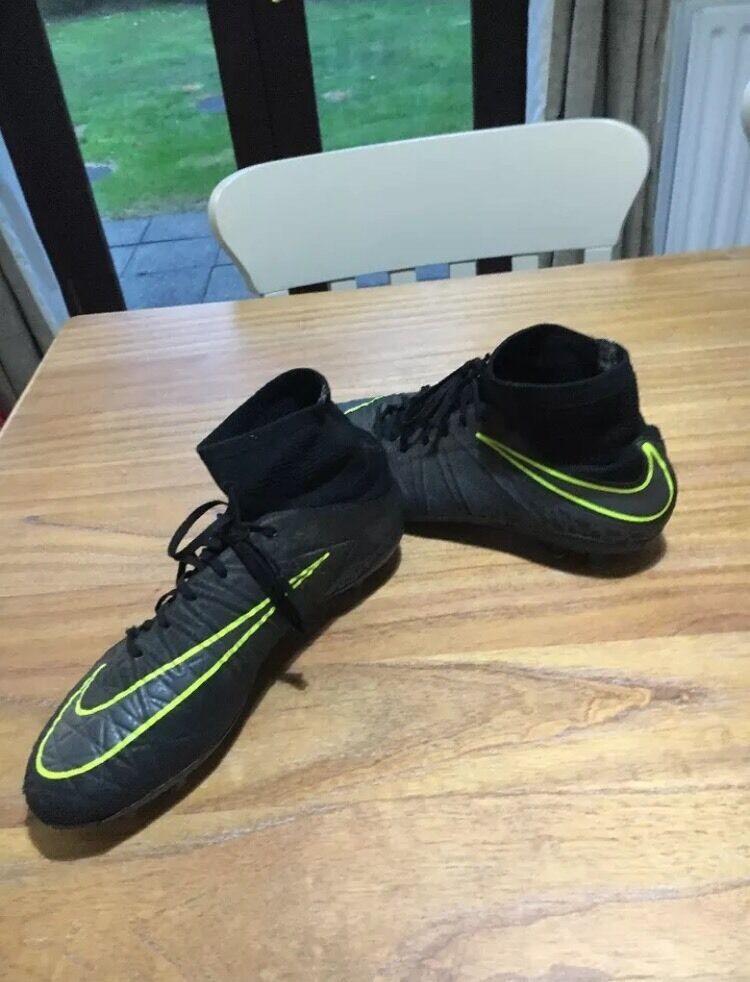 Nike Hypervenom Phantom ll FG (Black and Yellow) Size UK 7