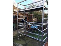 Aluminium scaffolding with wheels
