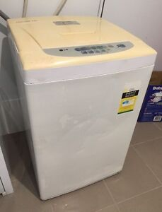 """LG """"Fuzzy Logic"""" Top Load Washing Machine, Can Deliver Belconnen Belconnen Area Preview"""