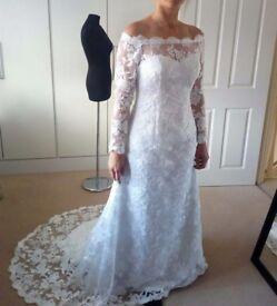 Beautiful wedding dress size 10-12