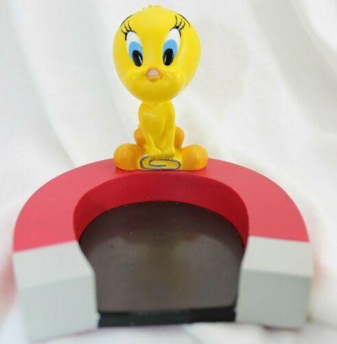 Warner Brothers Studio Store Looney Toons Tweety Desk Magnet  1999 Vintage