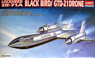Academy 1:72 SR71A Blackbird / GT21D Drone