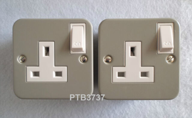 DEAL OF TWO! METAL CLAD SINGLE SWITCHED SOCKETS AL4331 WITH KNOCKOUTS BY ALTO