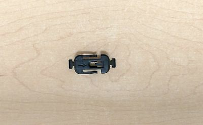 AUDI OEM 08-17 A5 Quattro Exterior-Rocker Molding Clip 8T0853909A