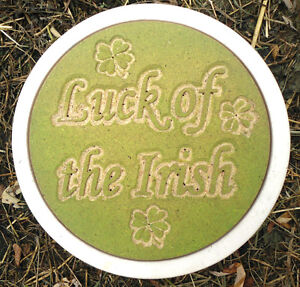 Plaster-concrete-Luck-of-the-Irish-stepping-stone-plastic-mold