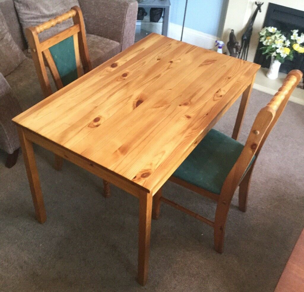 Kitchen Bench Gumtree: Solid Pine Kitchen Table 2 Solid Pine Chairs Will Sell