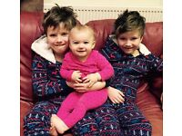 URGENT! Live in Nanny/Au Pair + for 8 yr old twins & 1 year old girl in single parent family