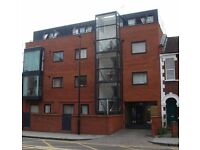 Huge 3 bed penthouse flat in modern development with private roof terrace