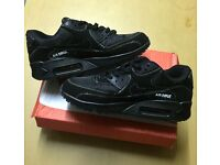 Brand New With Tags Men's Nike 90s Black/White Size 6.7 £30