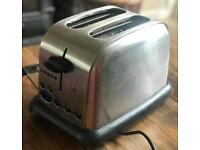 Fully working toaster in very good condition