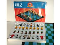 Warner Brothers Looney Tunes Chess Set Vintage Rare Collectable