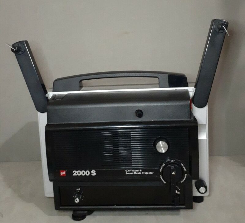 GAF 2000S super 8 8mm sound movie projector Not tested