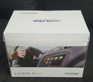 Alpine Apple CarPlay Receiver, Mint Cont. Paid over $1000