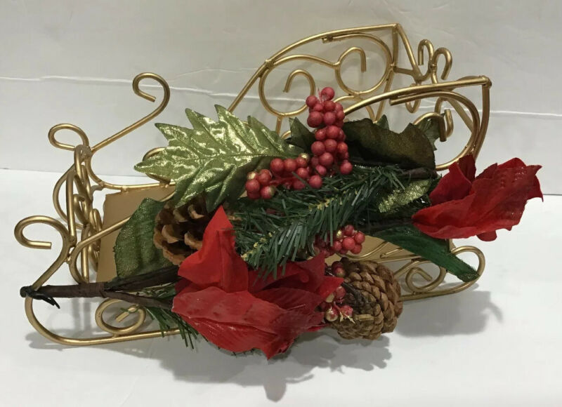 """Vintage Christmas Holiday Metal Gold Sleigh With Poinsettia Wreath On Side 11"""""""