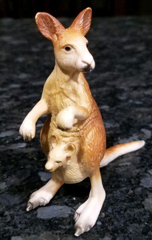 Schleich Kangaroo With Baby Zoo Animal