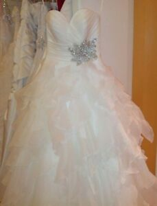 Stunning Brand New Wedding Dress!!!!
