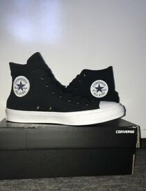 Converse Chuck Taylor Hi Tops Size 8