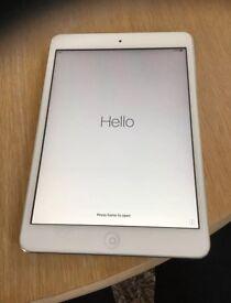 iPad mini 2 silver 32GB Excellent Condition Boxed