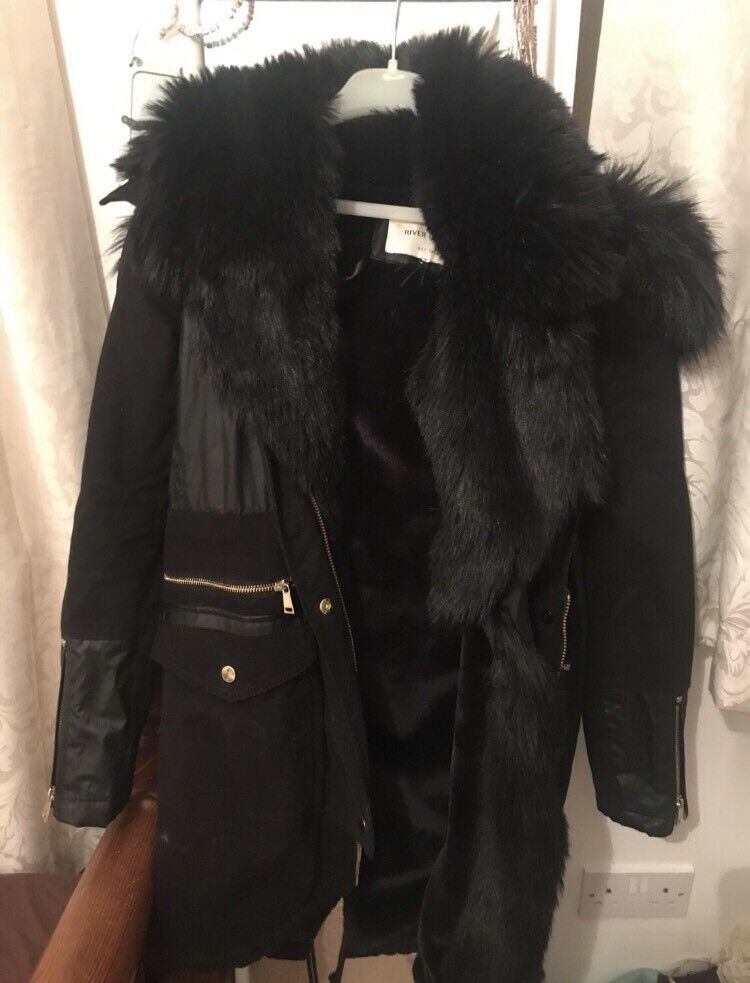 f085d7b31 River Island coat brand new! Size 6 | in Maidenhead, Berkshire | Gumtree