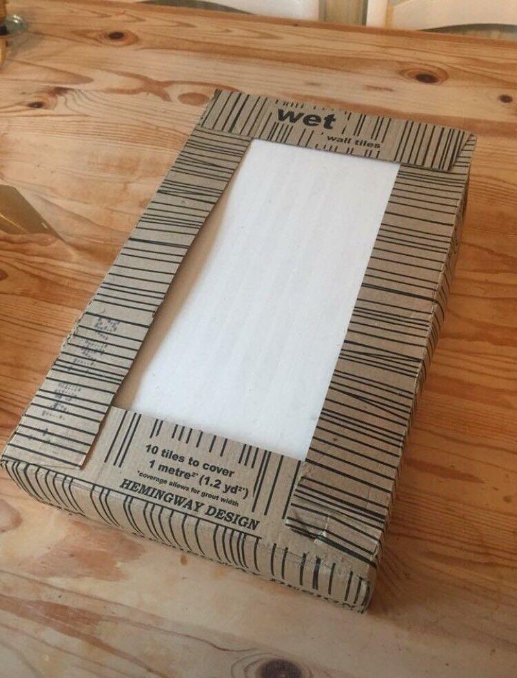 1 full pack, 2 single tiles and oddments of large white tiles ...
