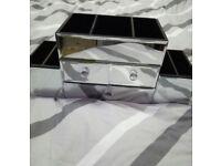 Mirrored vanity case
