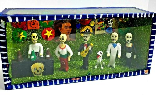 Mexican Day of the Dead Frido Kahlo Diorama Shadow Box