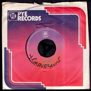CARL-DOUGLAS-Kung-Fu-Fighting-Gamblin-Man-UK-SG-7-Pye-1974-Single-45