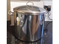 THE VINERS COOKWARE COLLECTION LARGE POT WITH LID - USED BUT IN EXCELLENT CONDITION