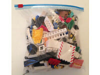 500g bags of mixed lego pieces