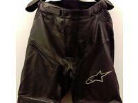 Postage Available *Alpinestars Bat Pants Leather Motorcycle Trousers EU 50 UK 32-34 Ladies 12 Black