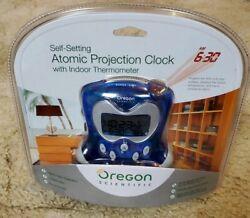 Oregon Scientific Self-Setting Atomic Projection Clock