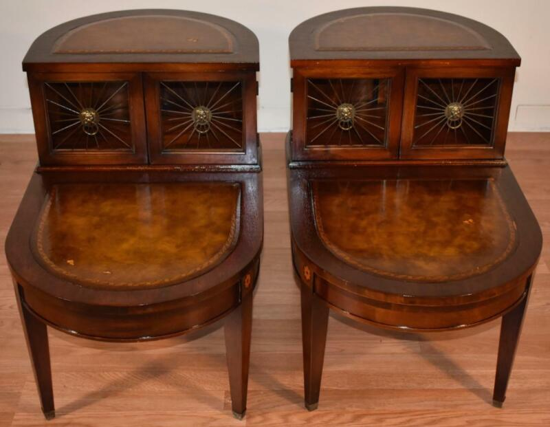 1940s Pair of Regency style mahogany leather top Tier nightstands side tables
