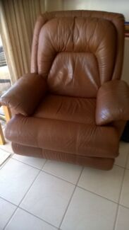 2 Moran leather recliner chairs plus matching two seater lounge