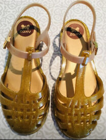 Girls jelly shoes sandals Gold Zaxy size EUR 31 UK 12