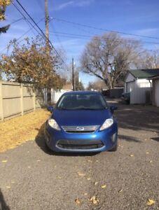 2011 Ford Fiesta SE STANDARD low km!