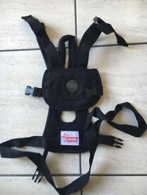 The Tommee Tippee Explora safety reins and harness