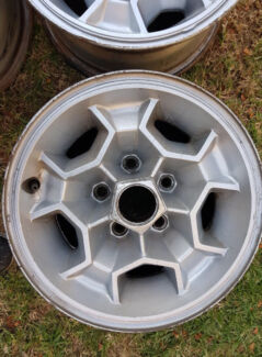 HJ or HQ Monaro Honeycomb Polycast Rims