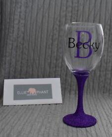 Personalised glitter glasses