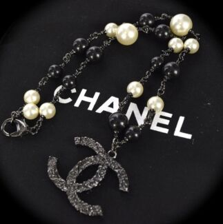 Authentic Chanel Pearl Chain Pendant Necklace Dust Bag + Box Brighton Bayside Area Preview