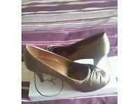 Ladies shoes size 9 wide fit