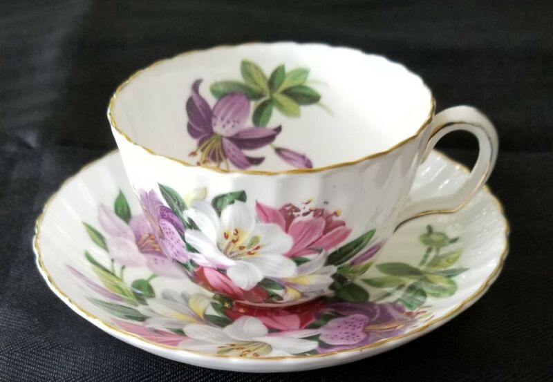 Vtg ADDERLEY Bone China Pink White Purple Lily Tea Cup & Saucer Gold rim England